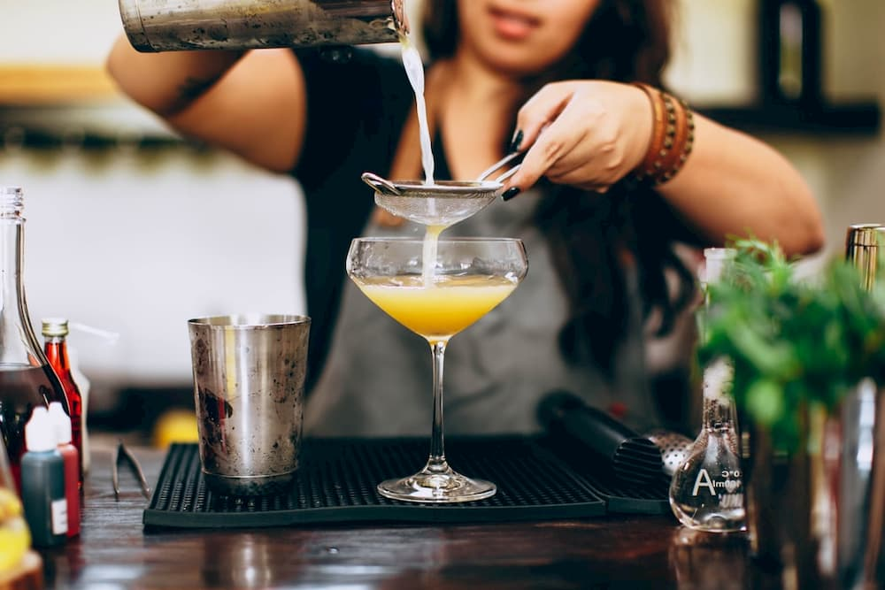 bartender jobs are great part time overnight jobs