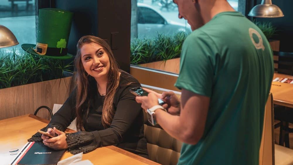 restaurant server jobs are often graveyard shift jobs that pay well